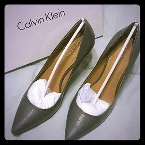 Calvin Klein Gray Leather Patent Pumps 9.5